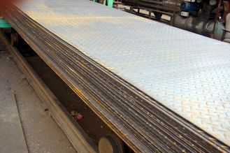 China SS400, Q235B, S235JR Hot Rolled Steel Coils / Checkered Steel Plate, 2000mm -12000mm Long supplier